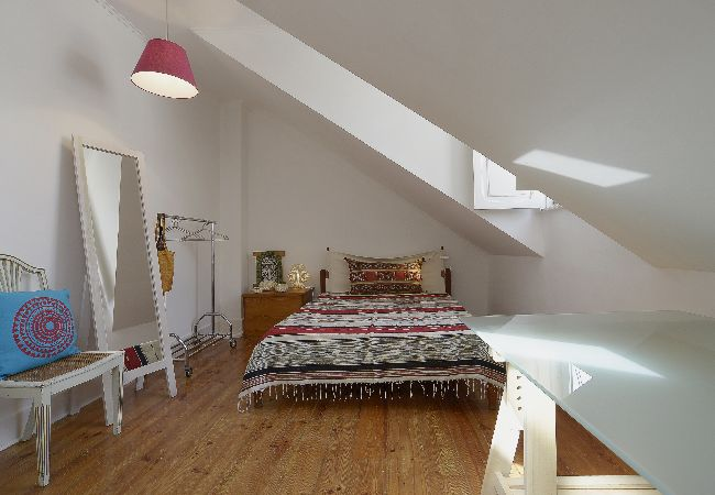 Apartment in Lisbon - Campo de Ourique flat near the Market