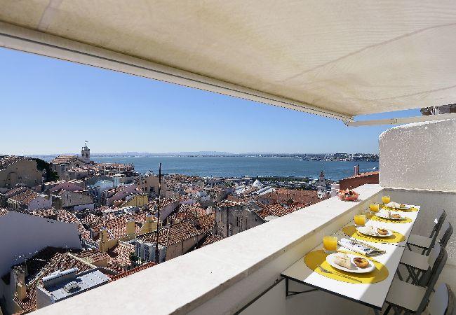 Apartment in Lisbon - Santa Catarina River View