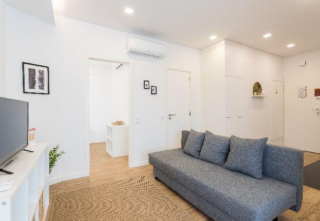 Apartment in Cascais - Cascais Charming Place with Balcony
