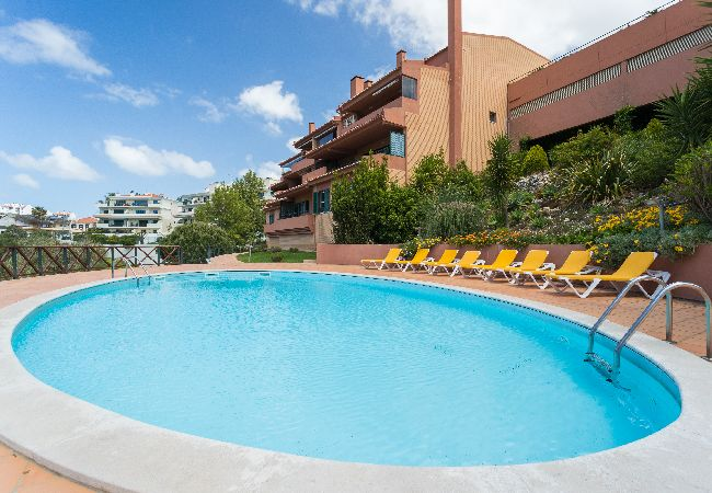 Apartment in Cascais - Cascais Balcony Apartment with Pool