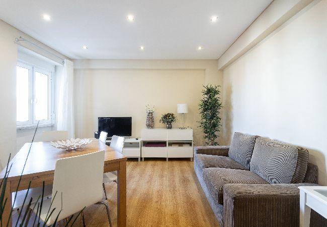 in Lisbon - Campo de Ourique Family Apartment